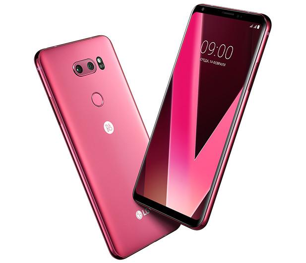 В России начинаются продажи малиновой версии LG V30+. Покупателям смартфона вручат по 32-дюймовому телевизору