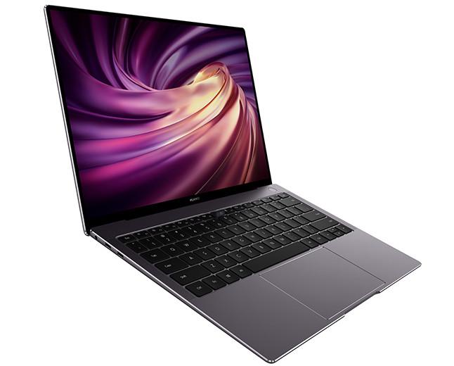 Huawei представила в РФ новые ноутбуки и пообещала подарить планшеты их первым покупателям