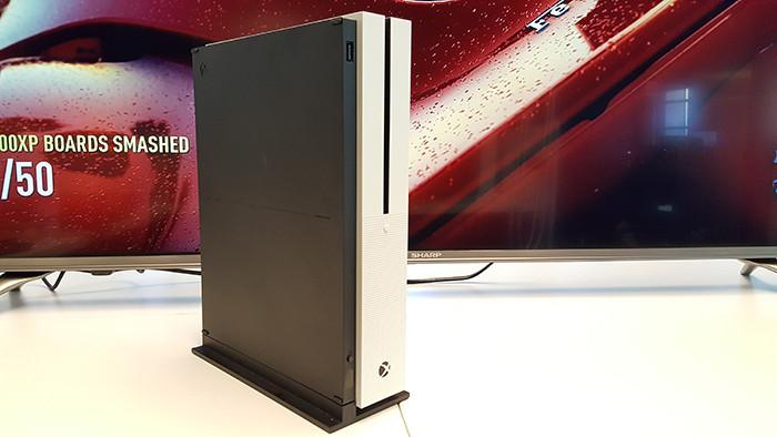 Консоль Xbox One S в России: Стала известна цена и дата начала продаж