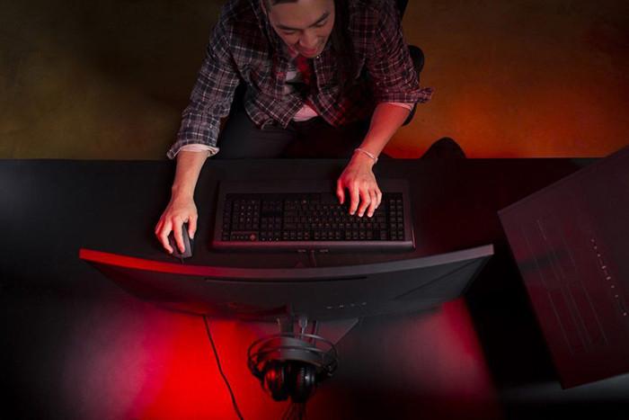 CES 2017. Новинки HP: изогнутые моноблоки, ультрабуки и рабочие станции