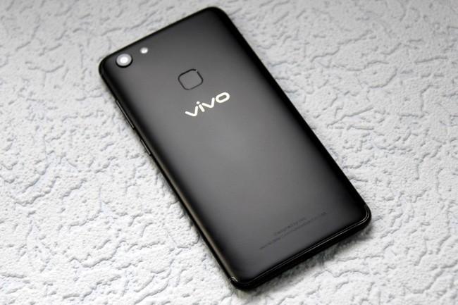 Vivo V7 обзор