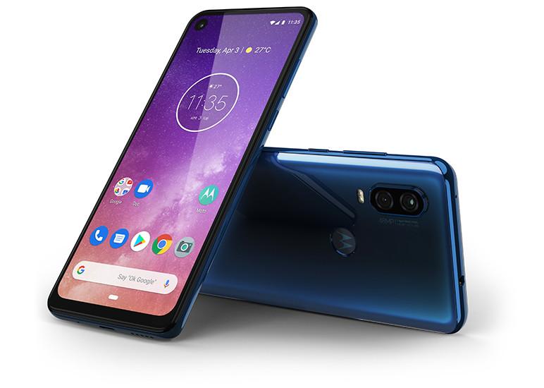 Motorola выпустила один из самых необычных смартфонов 2019 года