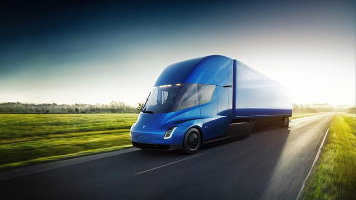 Tesla представила самый быстрый в мире автомобиль и серийную электрофуру