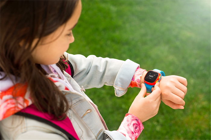 IFA 2016. Умные часы Alcatel для взрослых и детей