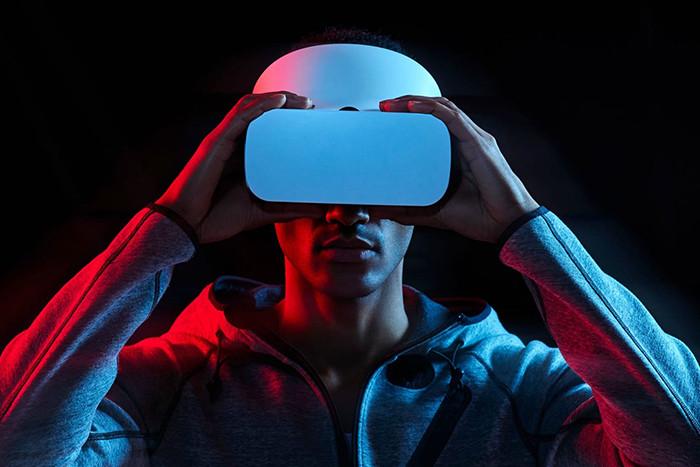 LG и Google покажут экран для VR-устройств со сверхвысокой пиксельной плотностью. Она достигнет 1443 ppi