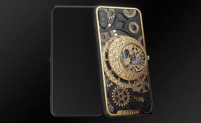 Российские ювелиры встроили механические часы-скелетоны в iPhone XS