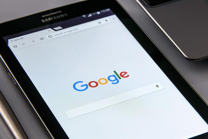 Роскомнадзор пообещал Google новые штрафы и пригрозил блокировкой