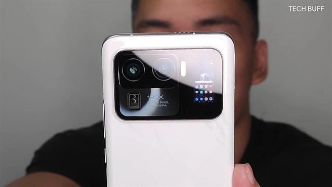 Раскрыты подробности об уникальном смартфоне Xiaomi Mi 11 Ultra с двумя экранами и защитой от воды