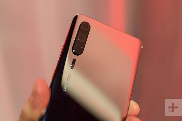 MWC 2019. Huawei внезапно показала флагманский смартфон будущего