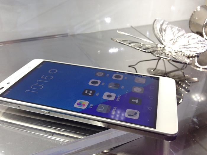 Huawei Honor 7: 5,2-дюймовый смартфон в алюминиевом корпусе