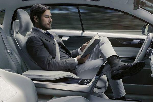 Volvo демонстрирует концептуальную модель самоуправляемого автомаобиля