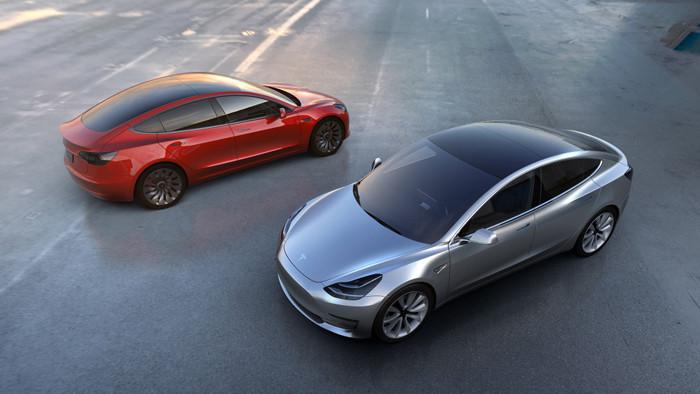 Представлен самый доступный электромобиль в линейке Tesla