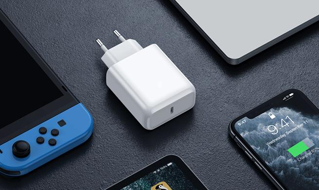 Как выбрать и где купить качественное зарядное устройство для iPhone и Android-смартфона