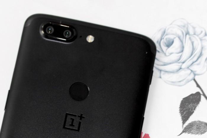 OnePlus 5T обзор NFC антенна