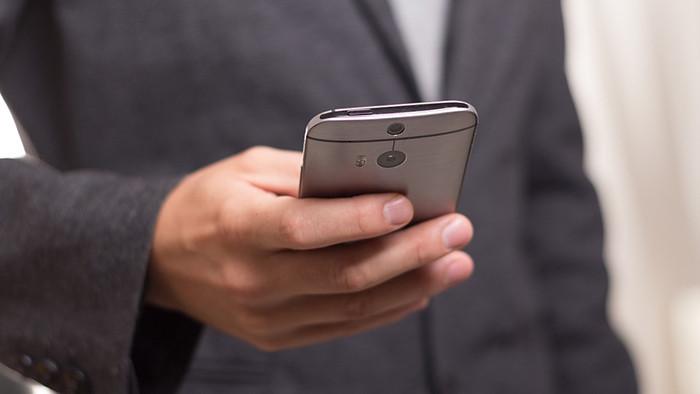 Россиян обяжут заплатить за использование телефонов и смартфонов
